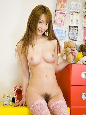Kurara Tachibana reveals fine hooters and naughty hairy beaver
